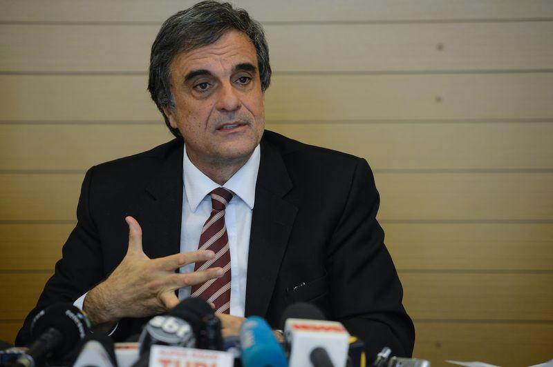 Ministro José Eduardo Cardozo vai ingressar com quatro recursos no STF contra decisões tomadas pela Comissão do Senado. Foto: Domingos Tadeu/Agência Brasil