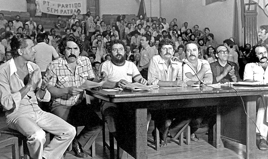 Encontro Nacional de fundação do Partido dos Trabalhadores, Colégio Sion, São Paulo (SP), em 10 de fevereiro de 1980. (Foto: Juca Martins).