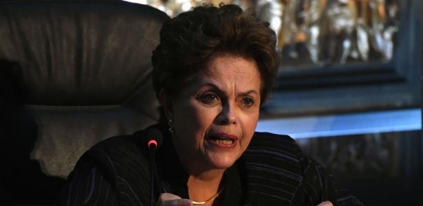 """A presidenta eleita Dilma Rousseff profere palestra """"A democracia ameaçada"""", em Madrid, na Casa das Américas. (Foto: Chema Moya/EFE)"""